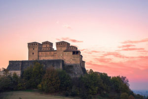 Il Castello di Torrechiara – Un gioiello architettonico e artistico sullo sfondo di un grande amore – 1P